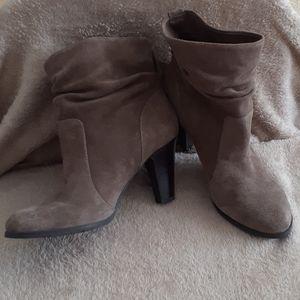 Tan BCBG😉 ankle boots size 7